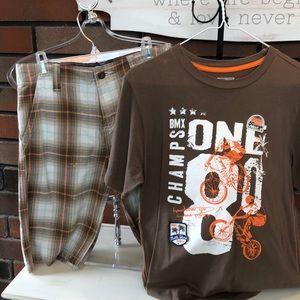 Boys Oshkosh size 12 Shorts and Matching Tee